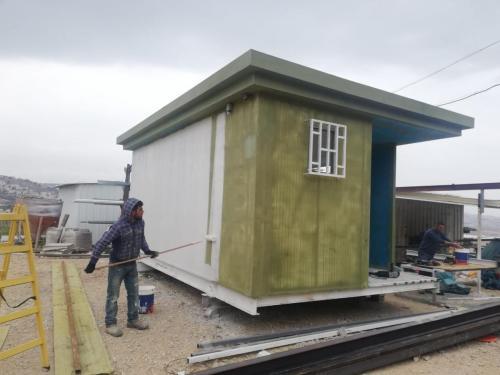 מבנה נייד בתהליך בניה