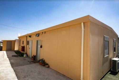 בשכונת נתיב האבות מבנה מגורים יביל