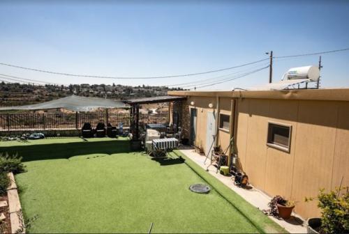 מבנה יביל למגורים בשכונת נתיב האבות